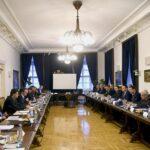 Sok dologról eldöntötték, hogy majd döntenek – Mosolygós találkozó a főváros és a kormány között