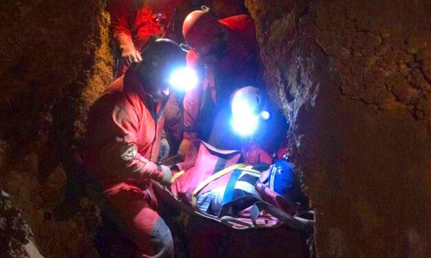 Baleset a barlangban: Óriási erőfeszítés kellett a sérült férfi kimentéséhez