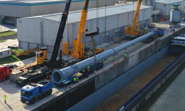 Repülőgép nagyságú órásjármű araszol az agglomerációban, lezárások lesznek az M0-áson