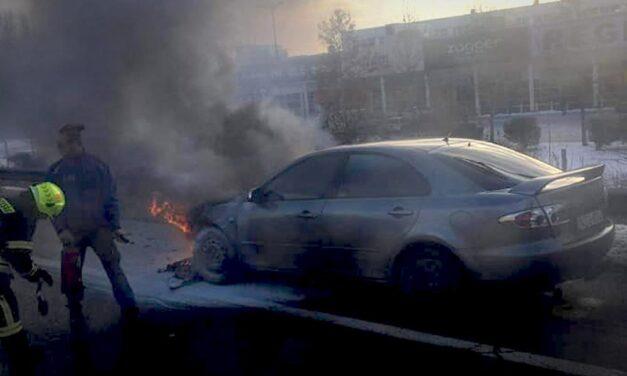 Kigyulladt egy autó Budaörsnél