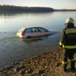 A Dunába csúszott egy autó Vácnál, hogy történhetett?