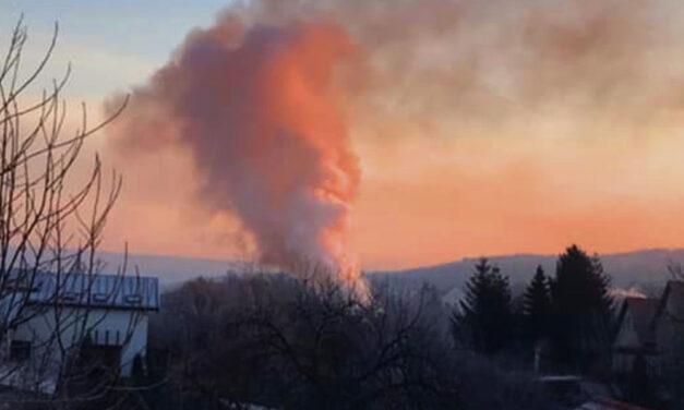 Pocsékul indul egy családnak az újév Pécelen, kigyulladt a házuk és felrobbant a gázpalack