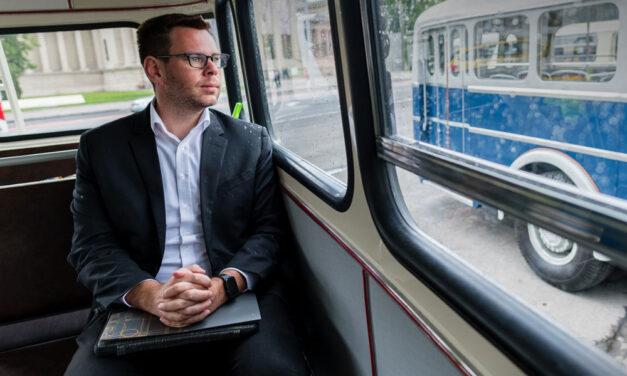Vitézy Dávid: A tömegközlekedés 100 éve nem volt ilyen válságban, mint most