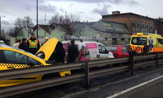 Lezárták a Ferihegyi gyorsforgalmi utat – súlyos baleset történt