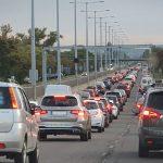 Tömegbaleset az M3-ason és szalagkorlátnak ütközött autók nehezítik az autópályák Budapest környéki forgalmát: van ahol már több kilométeres a dugó