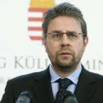 A pedofilíát büntető törvény szigorítása miatt tüntettek Budapesten