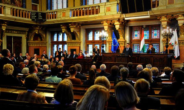Karácsony szerint kilátástalan helyzetbe hozza Budapestet a kormány járványügyi akcióterve
