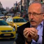 Drogkereskedőnek nevezte a taxisokat a polgármester, most elnézést kér, de azért még odaszólt egyet