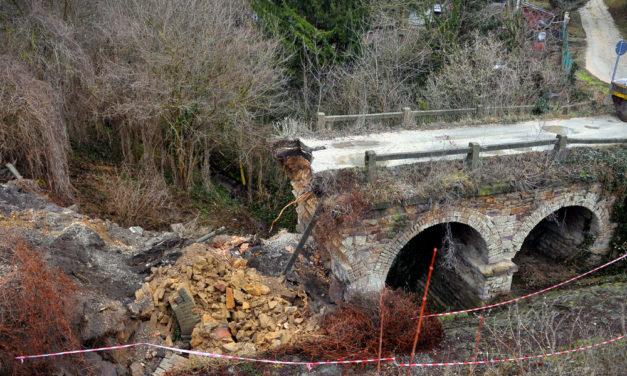 Megmondták, hogy leszakadhat a múlt héten tényleg leszakadt piliscsabai híd, mégsem történt semmi