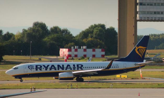 A koronavírus miatt ellenőrzi a Ryanair jegyértékesítését a fővárosi kormányhivatal