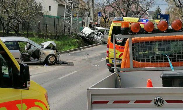 Súlyos baleset történt Budakalász és Üröm között – frontálisan ütközött két autó