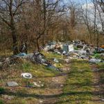 Pénzéhes vállalkozók dobálják szét a mocskot Budapest környékén