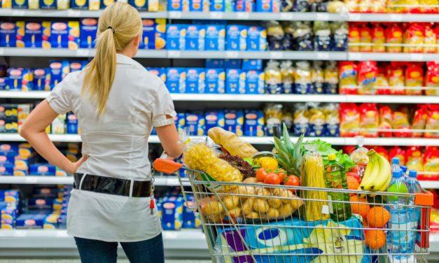 Brutális drágulás: megfizethetetlenek a gyümölcsök, a húsfélék is egyre többe kerülnek