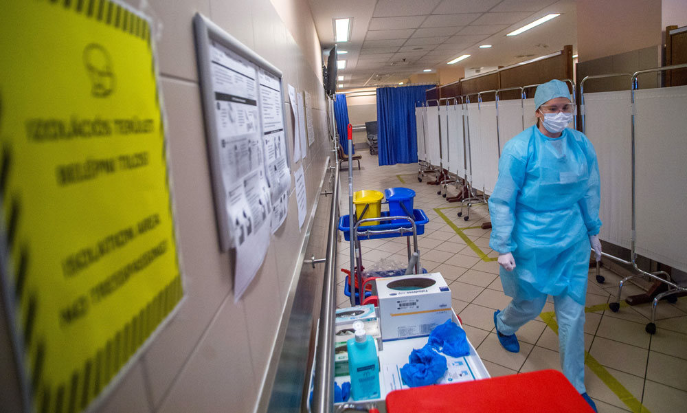 Kásler Miklós szerint az orvos felelőssége, hogy kit küld haza és kit nem