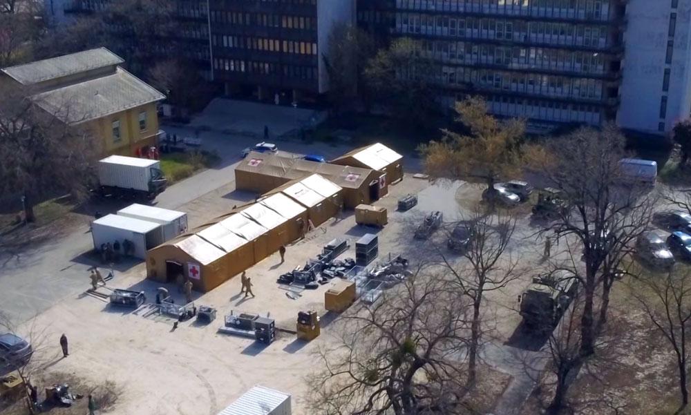 Újabb halálos áldozata van a koronavírusnak – tábori kórházat építenek a Szent László udvarán