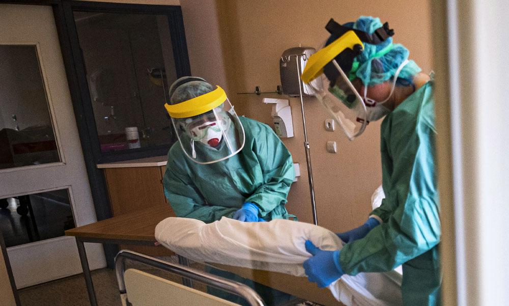 Sorsdöntő dátum: május 3-án tetőzhet a koronavírus-járvány Magyarországon