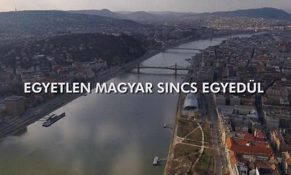 """A miniszterelnök a Nélküled című dallal üzeni, hogy """"egyetlen magyar sincs egyedül"""""""
