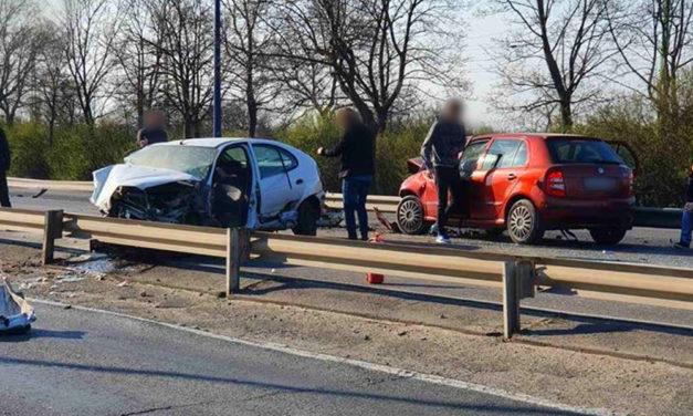 Lezárták a Ferihegyre vezető utat, súlyos baleset történt