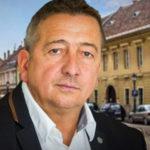 Két önkormányzati lakást is összehozott magának a Várban Bayer Zsolt