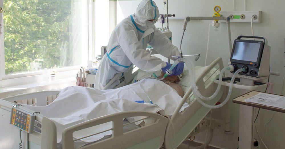 Friss adatok: 1067 koronavírusos beteg van lélegeztetőgépen, az előzetes számítások szerint március 24-én tetőzhet a járvány
