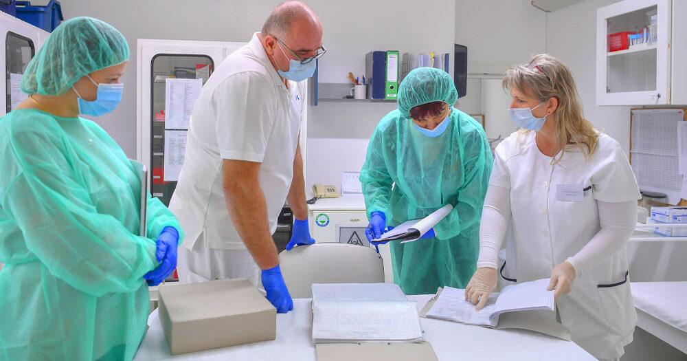 """""""Egy triázs csapat méri fel az ellátandó betegek életkilátásait"""" – már van olyan kórház, ahol az orvosok döntik el, hogy melyik koronavírusos beteg életéért érdemes küzdeni"""