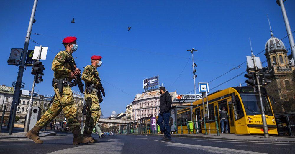 Kormányinfó: Március 15-ig meghosszabbította a kijárási tilalmat, nem lesznek közterületi oltópontok