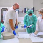 876 új esetet regisztráltak: 17 mintavételi pontot állítanak fel a mentők