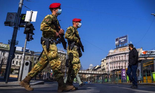 Itt a lista, ezeken a közterületeken kell maszkot viselni, a katonaságot is bevonják a közrend fenntartásába