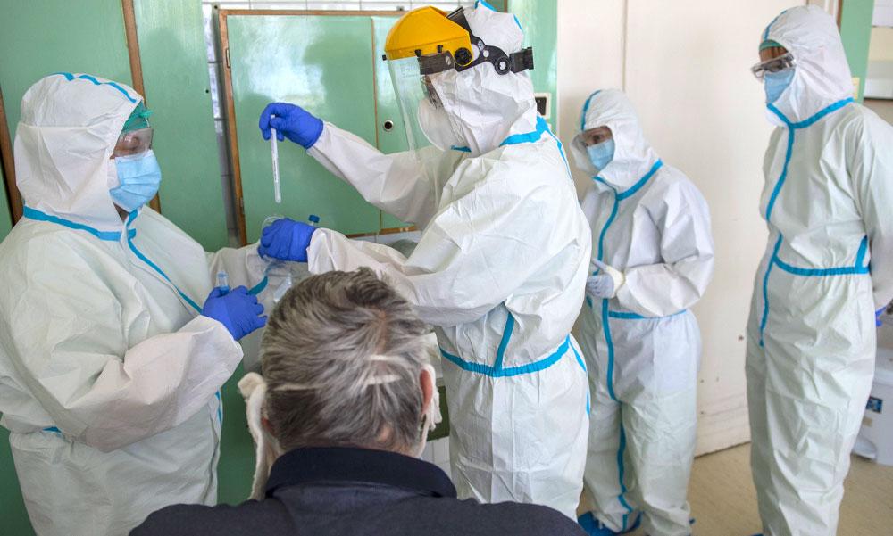 Koronavírus: Átfogó tesztelés indul Budapesten és környékén, ne lepődj meg, ha nálad is csörög a telefon