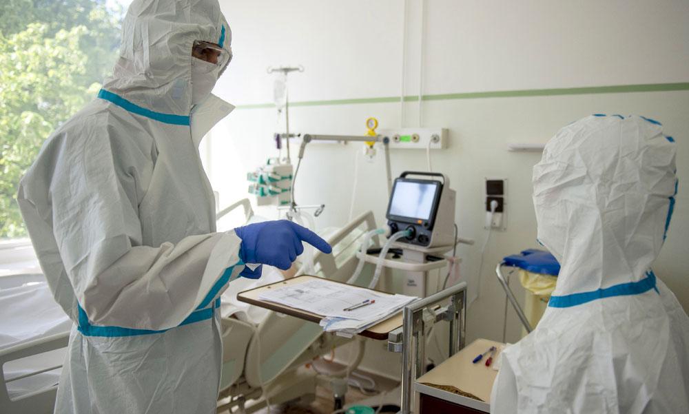 """""""A Covid-osztályok kritikus állapotú betegeit már szemészek, pszichiáterek és fogorvosok látják el"""" – ezt állítja a Magyar Orvosi Kamara"""