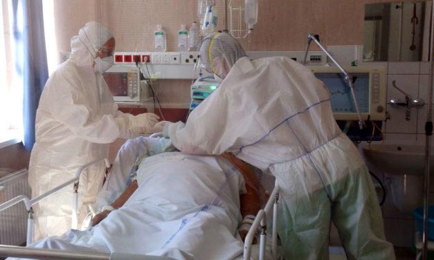 Már több mint 6 ezer koronavírus fertőzöttet kezelnek kórházban, 415 beteg van lélegeztetőgépen
