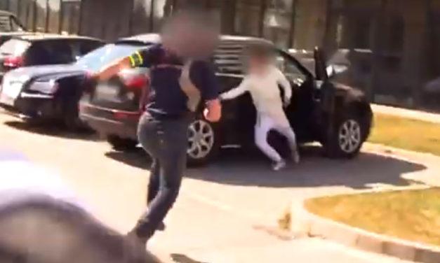 Akciójelenet: A rendőrök tetten érték az autótolvajokat, aszfaltra nyomták az arcukat