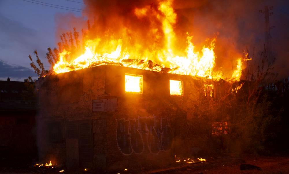 Tűz az Origo korábbi szerkesztőségénél és lángok másfelé is a fővárosban