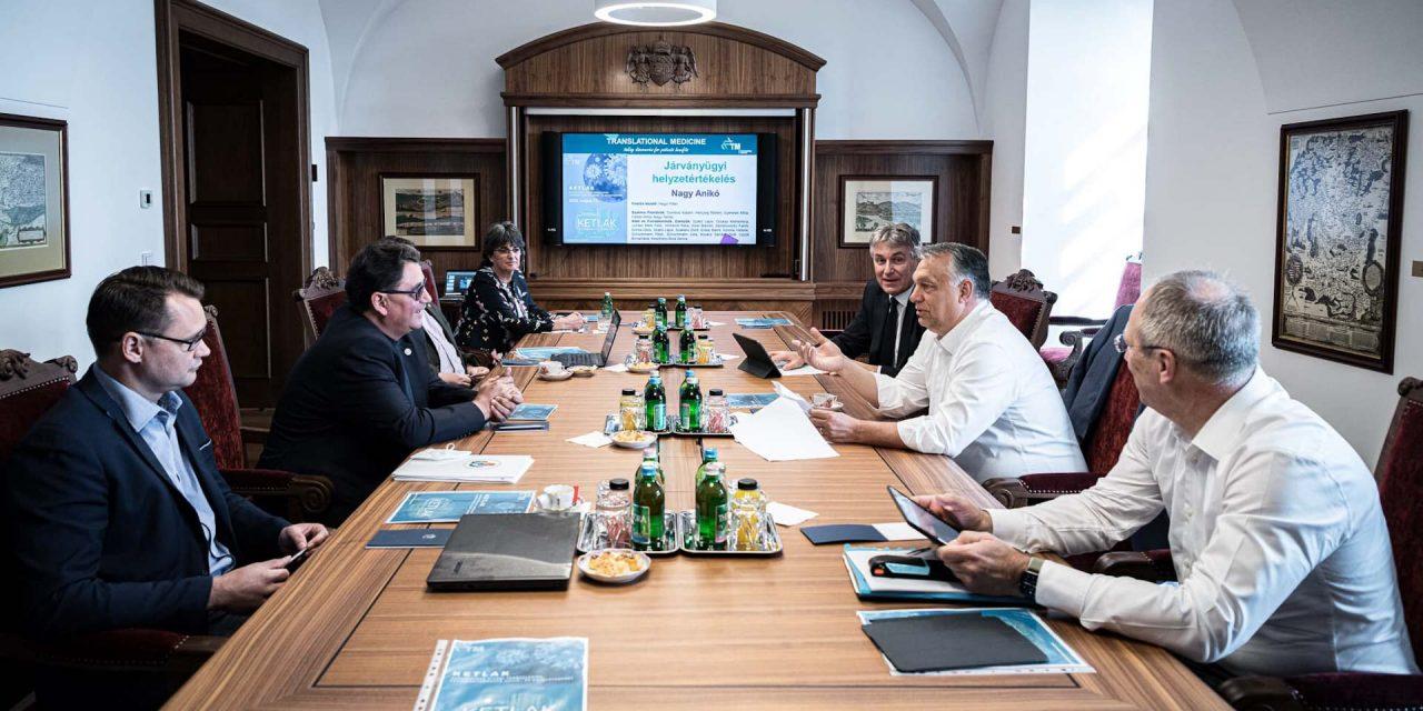Megkezdődött az egyeztetés Budapest újranyitásáról, a főváros vezetőit nem hívta meg Orbán Viktor a megbeszélésre