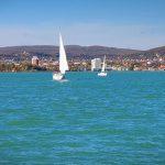 Ha a Balatonra mész nehezen találsz ingyenes strandot, most törvényt akarnak a szabadstrandokról