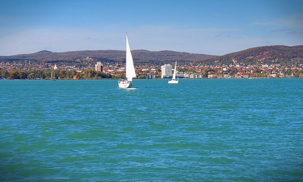 Tudj erről, ha a Balatonhoz mész! Gyógyszermaradványokat találtak a vízben