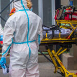 Döbbenetes adat: Egy Szentendre nagyságú város lakossága már meghalt koronavírusban, közben a politikusok azon vitatkoznak, hogy ki az oltásellenes
