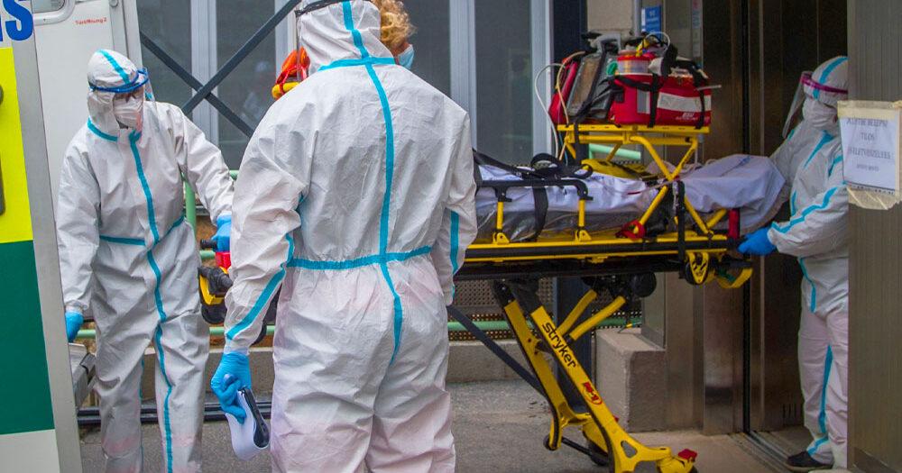 20 ezer felett a koronavírus áldozatainak száma, már egy közepes városnyi ember halt meg Magyarországon