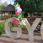 Megtalálta a polgármester azt a két lányt, akik eltulajdonították Gyömrőn a gyereknapi dekorációkat