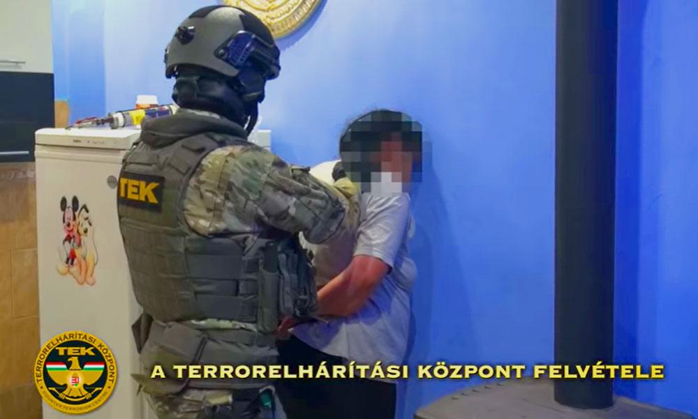 Negyvenkét rendőr csapott le egy dílerre és a vevőire Kerepesen
