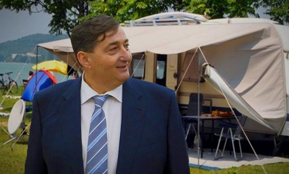 Nyolcszor több pénzt kaptak Mészáros Lőrinc szállodái, mint amennyit a Pest megyei szállásadók