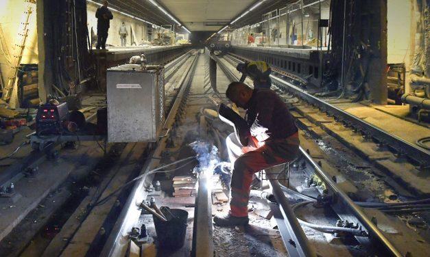 Elkezdődik a Semmelweis Klinikák és a Corvin-negyed metróállomás felújítása: így alakul a forgalmi rend