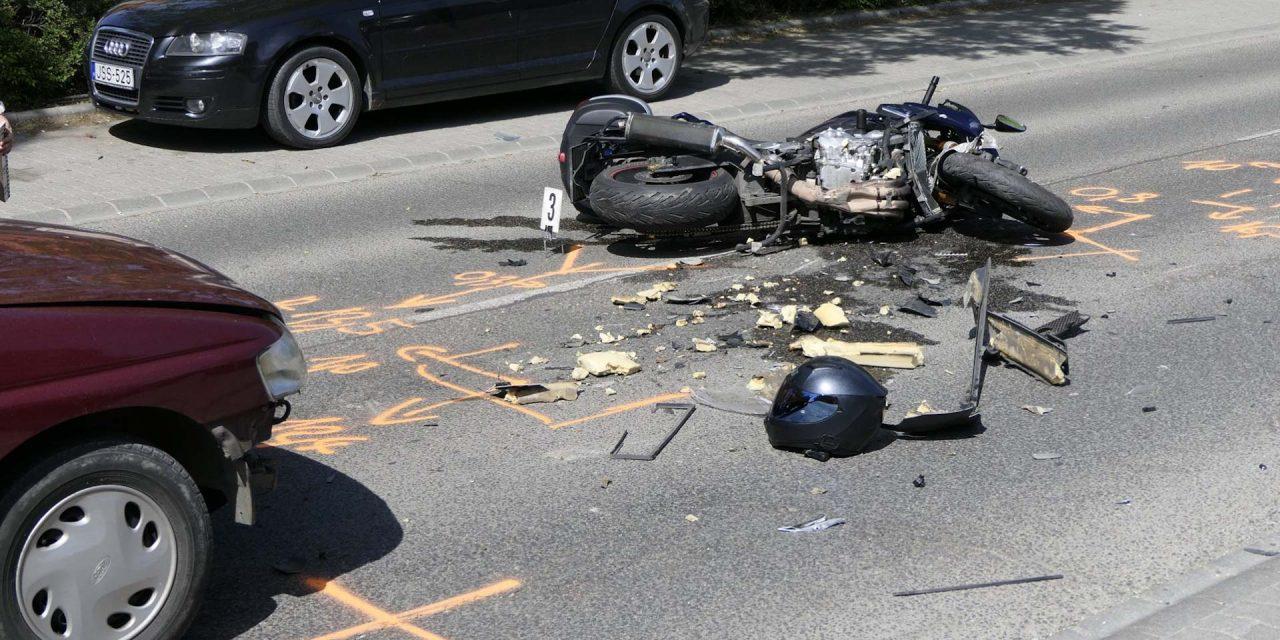 Motoros baleset történt Budaörsön – lezárták a főútat
