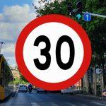 Közfelháborodás és sok traffipax – Grázban 30 éve megcsinálták azt a sebességkorlátozást, amit a főpolgármester akar Budapesten