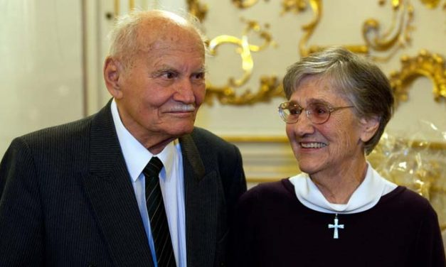 Elhunyt Göncz Árpád özvegye, Zsuzsa asszony