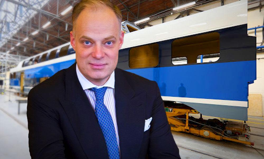 A kormányszóvivő férje vette meg a Dunakeszi Járműjavító felét, milliárdokért gyártanak vonatokat