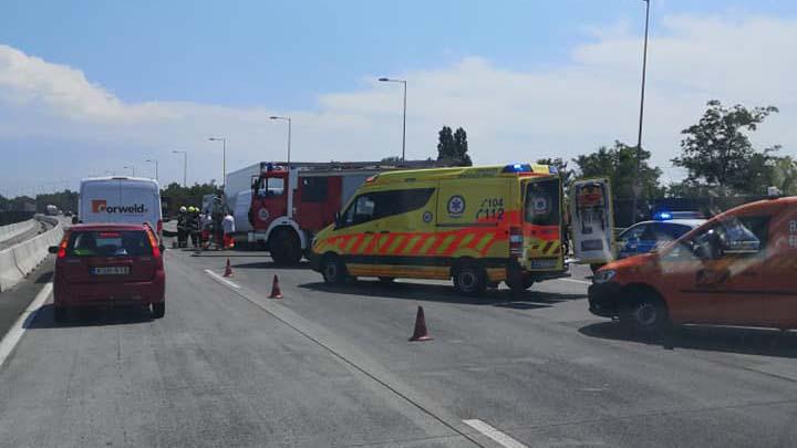 Pénteki dugó: súlyos baleset az M0-áson, megindult a tömeg a Balaton felé