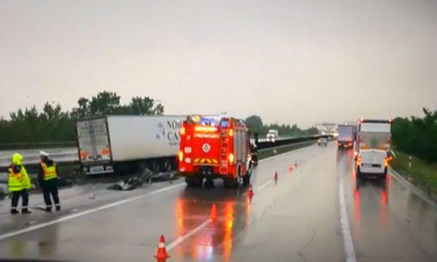 Két baleset is történt az M0-áson, nagyon lassan halad a közlekedés