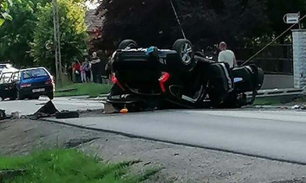 Frontálisan ütközött két autó Maglódon