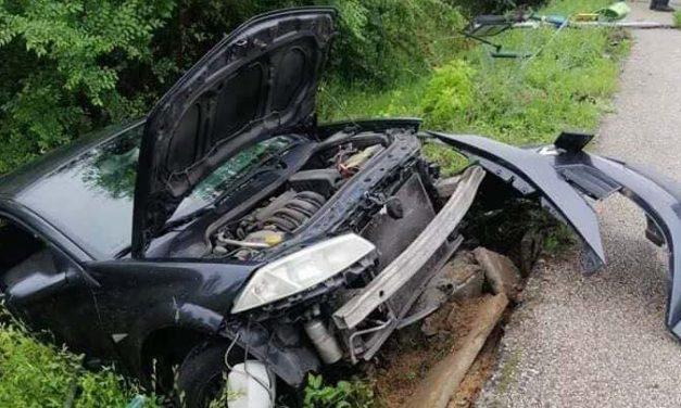 Párja balesetéhez sietett a férfi, miközben autójával árokba csapódott Vecsésnél